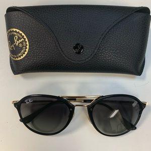 Ray-Ban Black Aviator Sunglasses